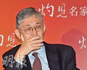 中原集團主席施永青(圖)認為,隨着香港及全球經濟增長放緩,預期今年本港樓價有機會跌5%至10%,旗下中原暫時未有裁員計劃。(劉焌陶攝)