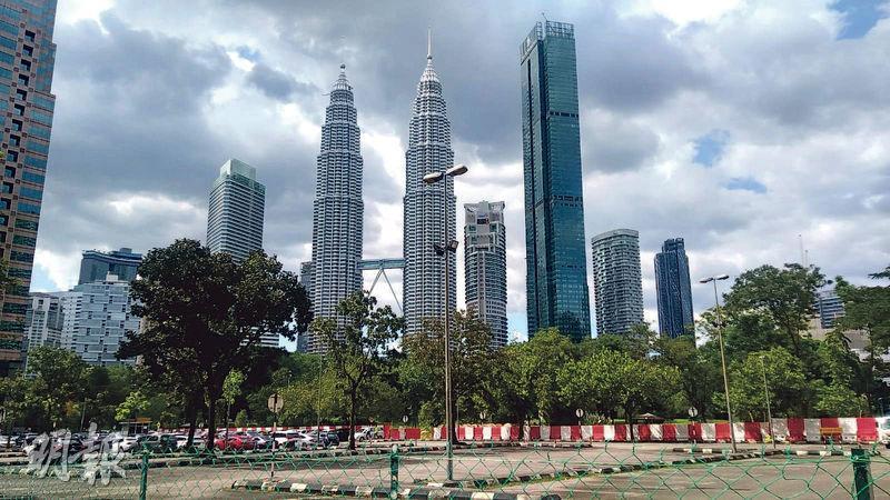Conlay位於吉隆坡城中城,可遠眺當地地標雙子塔。(葉創成攝)