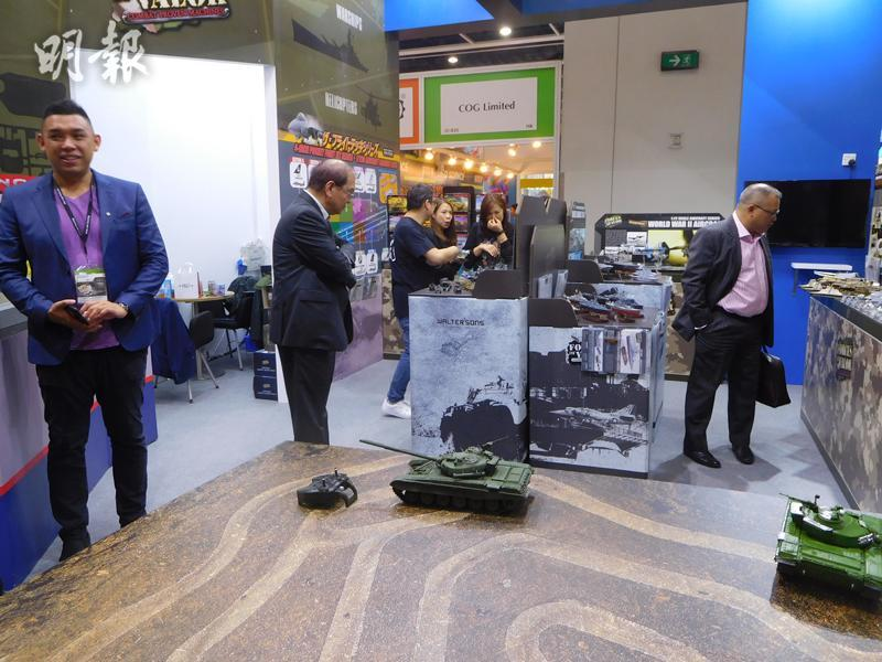 昌盛工業有限公司用了3年多時間,來開發這款1比16的T-72A坦克車模型,堪稱誠意十足,預算3月正式發售。(薛偉傑攝)
