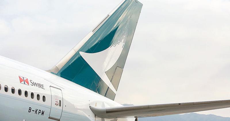 國泰上月訪港客運量「幾近腰斬」 按年挫46%