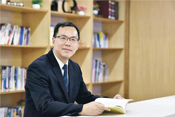 深圳中原董事總經理 鄭叔倫