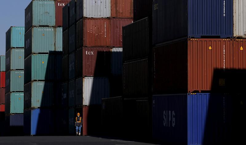 本港2月出口升4.3% 累計跌12%