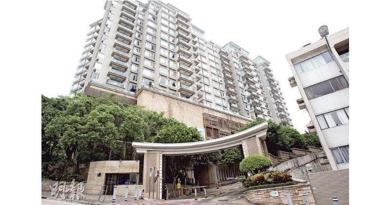 畢架山一號有3房雙套單位以月租4萬元租出。