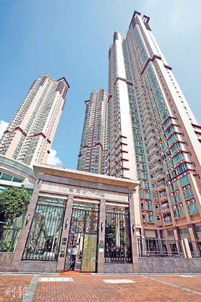 天水圍慧景軒最新有連天台特色戶以每實呎1.68萬元沽出,創天水圍二手呎價新高。