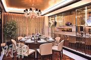 全屋用上矜貴的黑檀木和意大利逾百年品牌Giorgetti家具,包括飯廳足夠8人使用大圓枱。(賴俊傑、林靄怡攝)