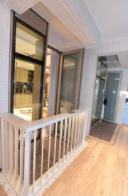 傲寓示範單位首曝光 浴室採透明弧形玻璃間隔(劉焌陶攝)