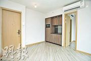 客飯廳呈正方形,採開放式廚房設計。(楊柏賢攝)