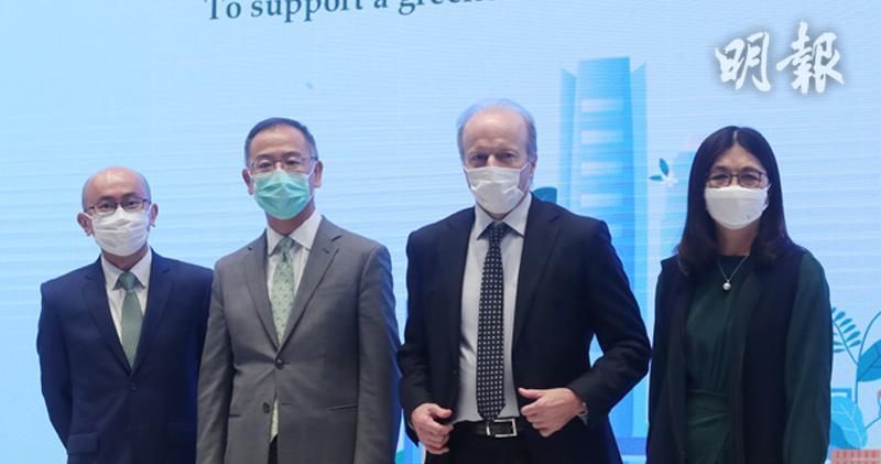 督導小組推動行動綱領 要求2025年落實TCFD氣候財務披露。左起何漢傑、余偉文、歐達禮、梁鳳儀。(李紹昌攝)