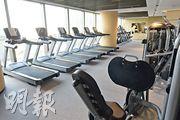 健身室提供基本健身器材,酒店亦會定時消毒及清潔,減低病毒傳播風險。