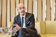 酒店總經理樂杰新預期疫情下,初期入住率只有約三成,期望機場開通後能逐步增多。