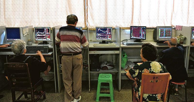 滬深兩市終止六連升 滬指全周升近3% 兩市成交額破1.1萬億元人幣