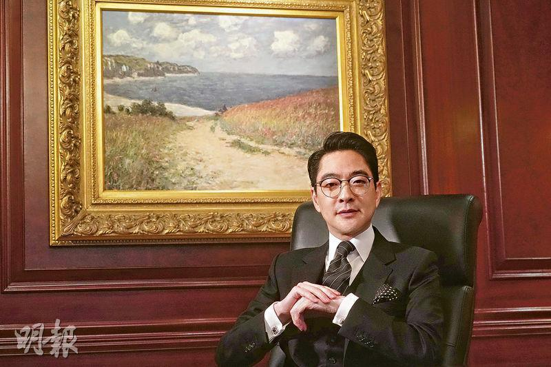 R.E. Lee International(亞溢利國際)行政總裁盧啟賢指去年公司促成10億美元保單收入,其中年輕富豪投保數量大增,公司淨利潤較2019年升1.5倍。(楊柏賢攝)