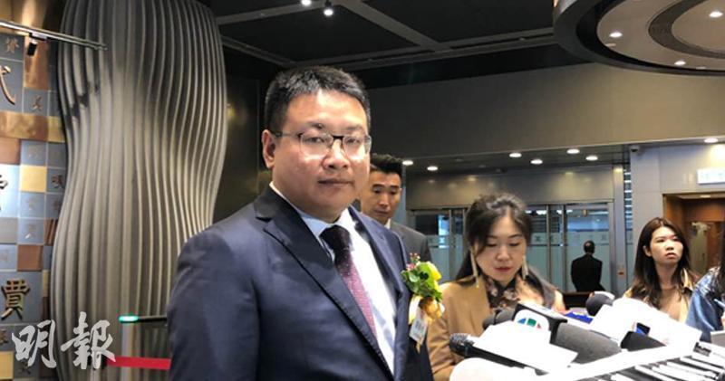 赤子城料去年收入按年增1.5至2.5倍  全日跌近12%。圖為赤子城董事長兼首席執行官劉春河。