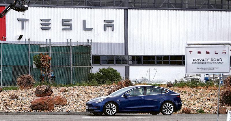 Tesla召回13.5萬輛Model S及Model X電動車