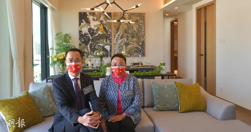嘉里香港區總經理湯耀宗(左)和嘉里物業代理市場策劃高級總監吳美珊(右)(黃志東攝)