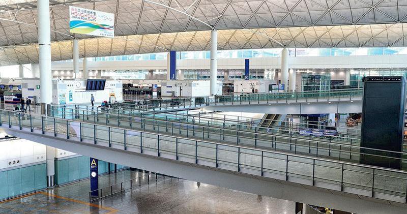 機場2月客運量大跌98% 貨運量升23%