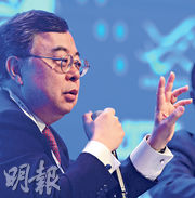 恒隆地產董事長陳啟宗表示,香港所有商舖物業都不樂觀,縱使恒隆表現優於市場,但零售額下降了20%,租金收入跌10%。(資料圖片)