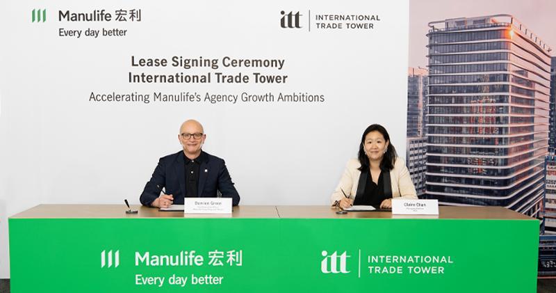 上圖為宏利香港及澳門首席行政總監戴明鈞(左)及太盟投資集團董事總經理陳德柔(右)出席簽約儀式。