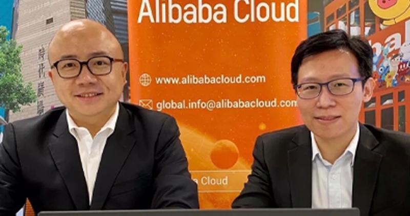 阿里雲智能港澳及菲律賓區域總經理劉彬星(左)、阿里雲智能港澳及菲律賓區域首席解決方案架構師肖仰柱(右)