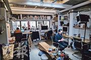 Sleeep在頂層更打造成開放空間可讓住客輕鬆工作,和不同國籍住客交流。