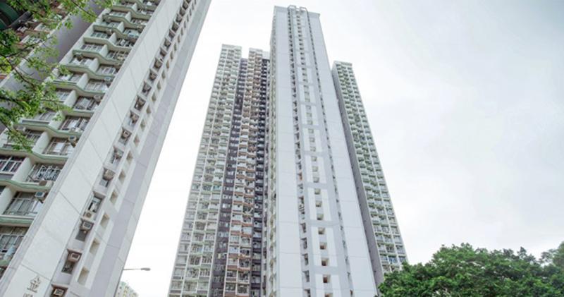 東駿苑3房900萬 實呎1.4萬雙破頂