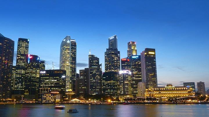 新加坡吸引國際資金流金,疫情下樓市依然表現良好。