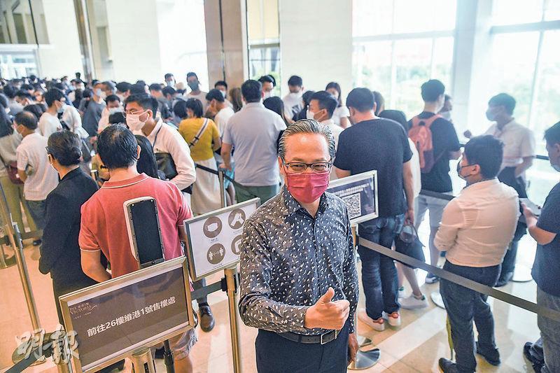 中海外地產董事總經理游偉光表示,啟德跑道區維港1號收票反應熱烈,會盡快加推單位應市,料將涉逾100伙。(馮凱鍵攝)