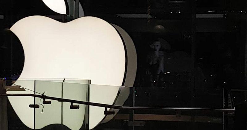 蘋果零售店員工擬試混合工作模式