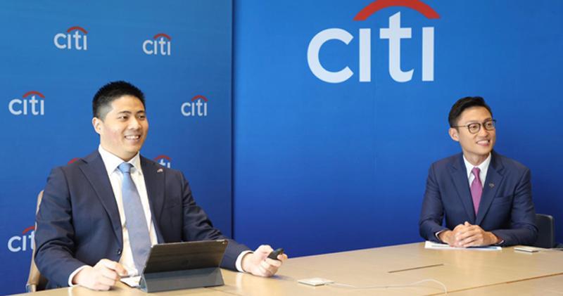 黃栢寧(左)表示,下半年要留意行業基本面開始有反彈、改善,而市場仍未投放信心的板塊。旁為陳正犖。(花旗銀行提供)