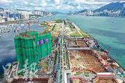 中海外維港1號昨加推5號價單涉148個單位,發展商同時公布最新銷售安排,周六次輪銷售286個單位。(鍾林枝攝)