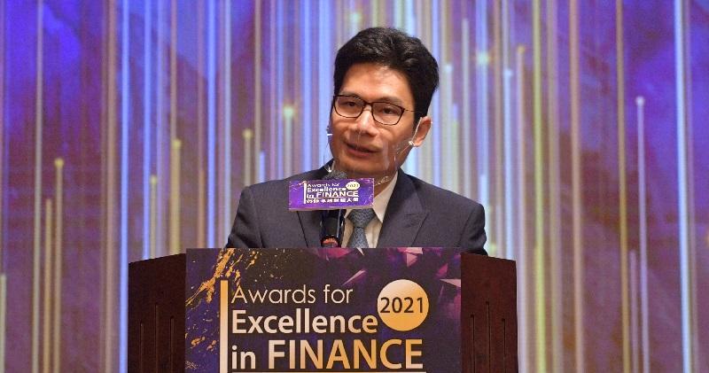 財經事務及庫務局副局長陳浩濂今午出席《明報》卓越財經大獎頒獎典禮。