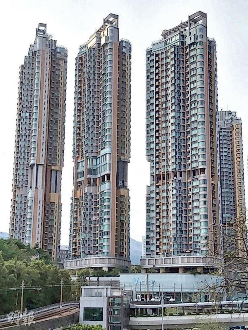 瓏門一個約500方呎2房戶,日前以980萬元、實呎逾1.96萬元。