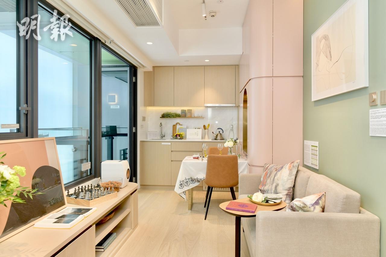 何文田芳菲示範單位曝光 一房戶414呎 (鍾林枝攝)