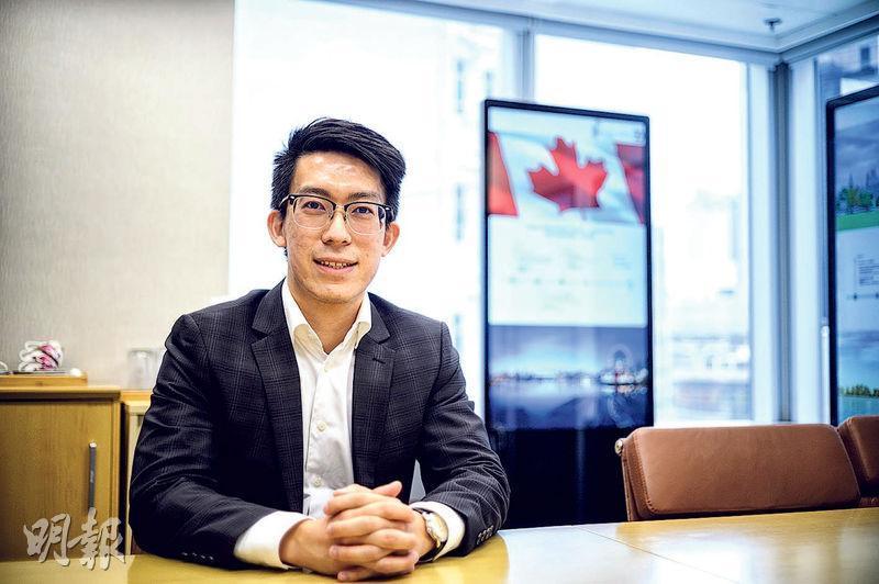 晉裕沈煒棋(圖)稱,他若回流加拿大,會偏好2房或3房的公寓,價格較廉宜,有物業管理公司幫助打理大小事務,康樂設施相對香港更多。(蘇智鑫攝)