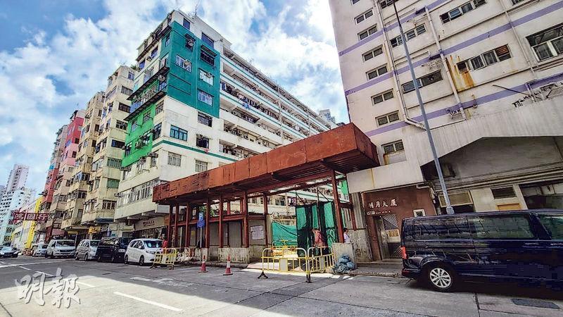 佳明集團斥3.2億元向德祥地產購入鄰近港鐵土瓜灣站的炮仗街41、43及45號地盤,每方呎樓面地價約1萬元。