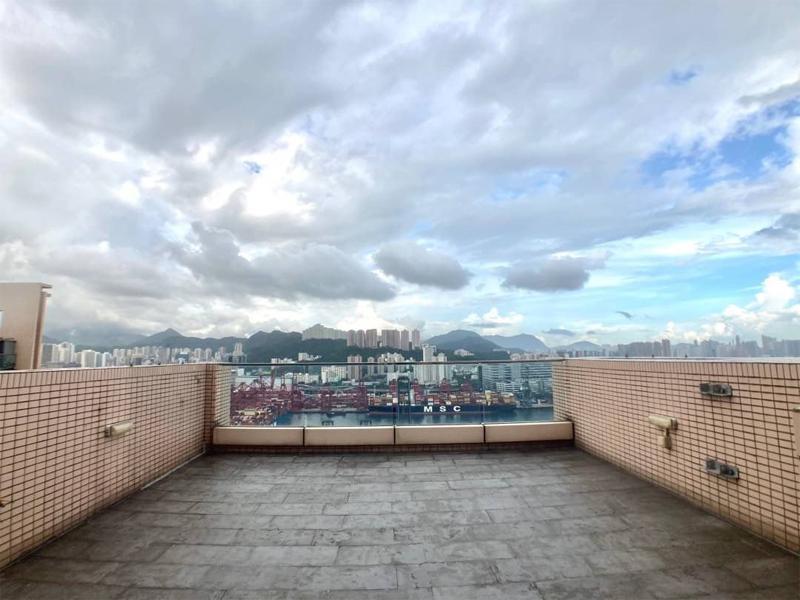 藍澄灣海景頂層2房連天台單位相(代理提供)