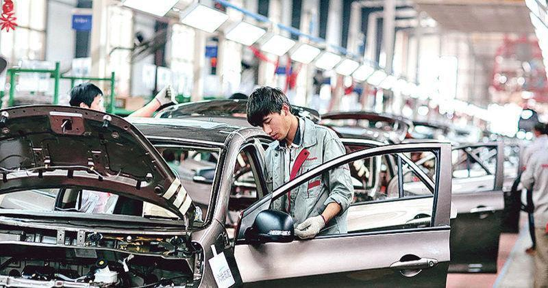 中汽協:8月中國品牌乘用車銷量逾70萬輛 整體佔比升至45.3%