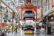 晶片短缺 全球汽車減產逾940萬輛