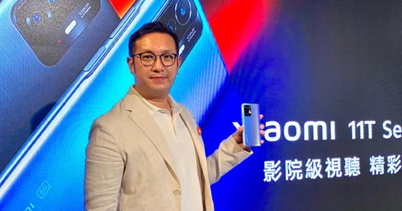 小米次季香港手機銷量升1.6倍 年底前冀在港設6間專門店。圖為小米香港及澳門地區業務總監鄭景鴻。(陳麗歡攝)