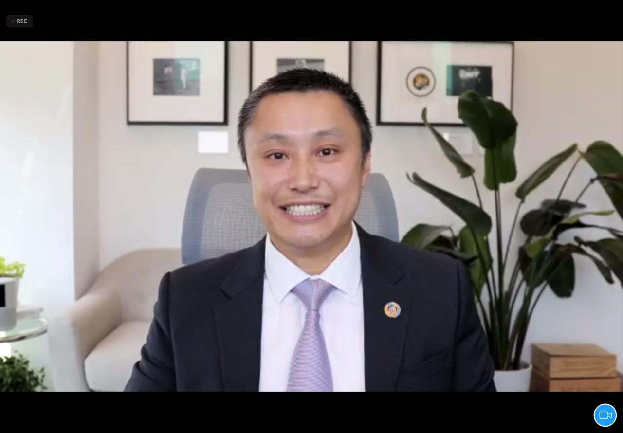 龍沛智表示,上月集團香港貸款按年增一倍。(網絡會議截圖)