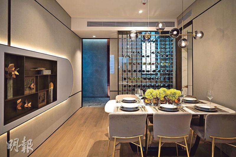 3房連裝修示範單位以3座28樓H室為藍本,實用面積755方呎,牆身用淺灰色調,增空間層次感。(林靄儀、劉焌陶攝)