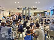 中洲旗下火炭星凱‧堤岸昨加推134伙應市,累計共有402伙公布價單,整批折實均呎約19,678元。昨日售樓處所見,睇樓氣氛不俗。