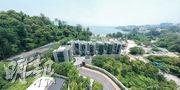 畔海提供8幢3層高洋房,前臨小欖海灘,景色宜人。(劉焌陶攝)