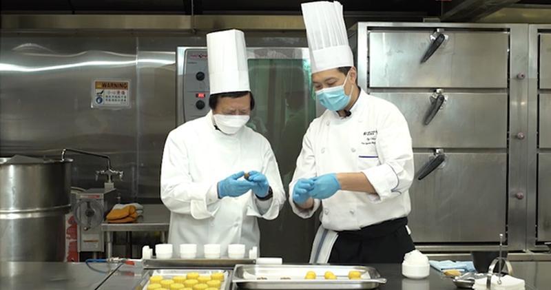 新地郭炳江變身大廚 整低糖月餅送4000個基層家庭