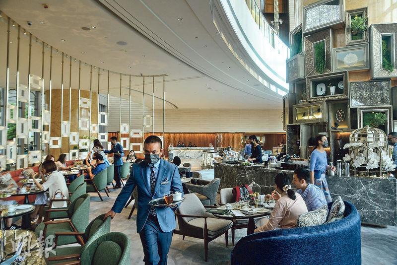 四季酒店是次翻新主要集中在大堂位置,例如新設咖啡廳Gallery,酒店指希望打造一個年輕人的聚腳點。(馮凱鍵攝)