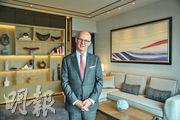 香港四季酒店地區副總裁兼總經理戴威廉稱,staycation帶動該酒店今年8月入住率按年增加逾一成,收入升逾三成。(馮凱鍵攝)