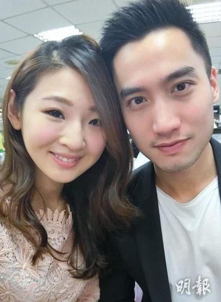 两人去年4月甜甜蜜蜜公布登记结婚。(网上图片)