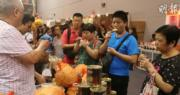 【多圖】美食博覽揭幕 75歲婆婆為玩平價鮑魚遊戲排足兩日隊
