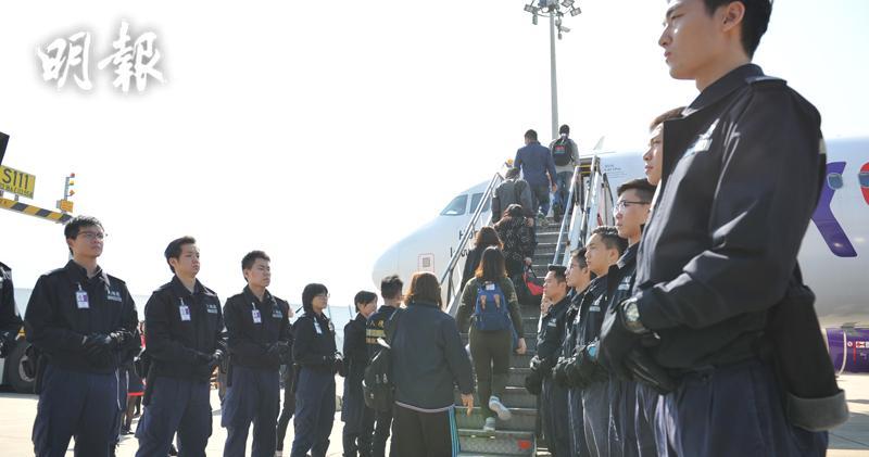 入境處遣返83名越南籍非法入境者