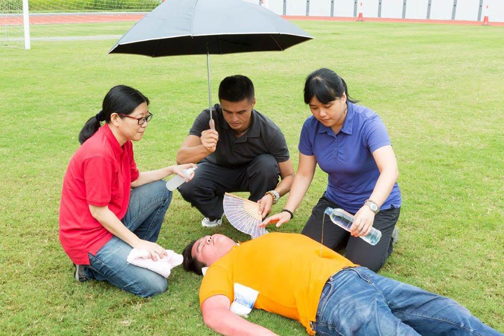 【中暑急救】中暑、熱衰竭睇徵狀可分辨  急救導師教處理4步驟
